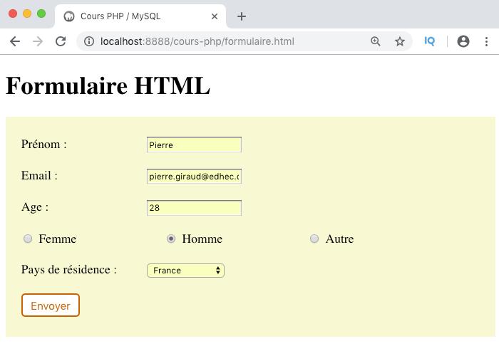 On remplit les données du formulaire HTML et on l'envoie à la page de traitement PHP